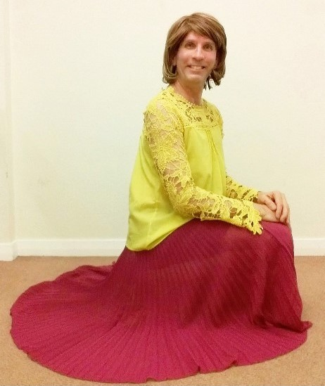 My exceptionally comfortable, stylish & very swishy pink ASOS Sunray pleated maxi skirt, plus my yellow chiffon blouse.