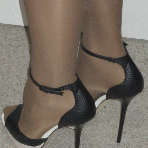 Picture of Highheels17, CrossDresser 57 years old, from Bournemouth Dorset