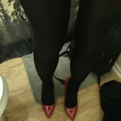 Picture of Nylonaddict, CrossDresser 52 years old, from Glendora California